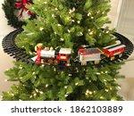 Christmas Tree Train Driving...