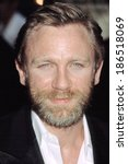 Small photo of Daniel Craig at the premiere of The Road to Perdition, NYC, 7/9/2002