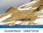tourists in inflatable ocean... | Shutterstock . vector #186672416