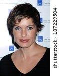 Small photo of Mariska Hargitay at Hetrick Martin Emergy Awards, NY 11/12/2001