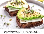 Healthy Avocado Toasts With Rye ...
