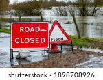 Road Closure Signs In The Rural ...