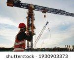 Rigger Signal Crane At...