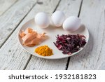 natural dyes for easter eggs....
