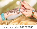 Process Of Applying Mehndi On...