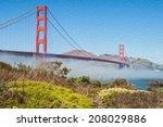Photo Famous Golden Gate Bridg...