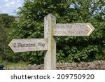 wooden signpost for pennine way