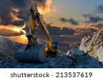 Image Of A Tracked Excavator In ...