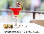 Cosmopolitan Cocktail Garnishe...