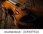 Violin In Vintage Style On Wood ...