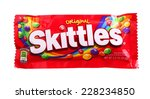 Постер, плакат: Closeup of Skittles candy