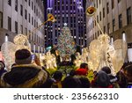 New York December 4  Crowds Of...