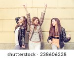 Group Of Attractive Young Wome...
