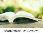 Open Book   Vintage Effect...