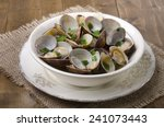 Cooked Clams In Wine Sauce With ...