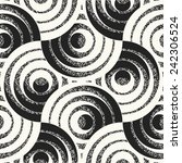Rings motif with noisy details. Seamless pattern.