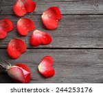 Rose And Petal In Form Heart O...