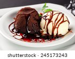 Petit Gateau Dessert