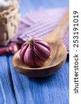 fresh organic whole garlic on... | Shutterstock . vector #253191019
