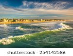 Waves In The Pacific Ocean And...