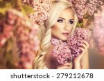 Beauty Fashion Model Girl With...