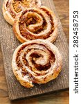 Rolls With Apple And Cinnamon