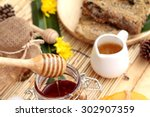 honey variety with honeycomb... | Shutterstock . vector #302907359