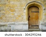 Door And Wall In Oxford