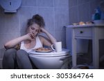 Image Of Woman With Fixation O...