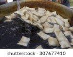 fried italian food   Shutterstock . vector #307677410