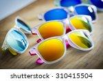 Many Colorful Fashion...