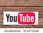 Постер, плакат: YouTube logotype button printed