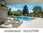 Beautiful House  Swimming Pool...