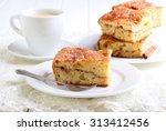 Cinnamon Sour Cream Coffee Cak...