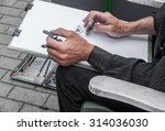 Street Painter Sketching...