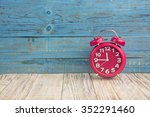 background clock