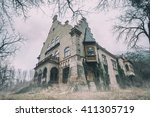 Old Abandoned Mansion In Mysti...