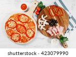 italian pizza cooking process... | Shutterstock . vector #423079990