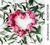 Heart Wreath Frame With Peonie...