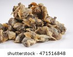 fresh raw clams isolated on... | Shutterstock . vector #471516848