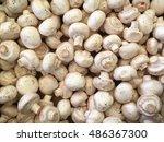 Fresh White Button Mushrooms O...