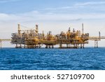 oil and gas industrial platform ... | Shutterstock . vector #527109700