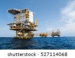 oil and gas industrial platform ... | Shutterstock . vector #527114068
