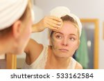 woman removing facial dried... | Shutterstock . vector #533162584