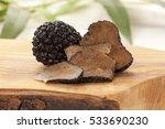 black truffle mushrooms on... | Shutterstock . vector #533690230