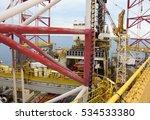 offshore oil rig drilling... | Shutterstock . vector #534533380