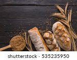 bread border on wood with copy... | Shutterstock . vector #535235950