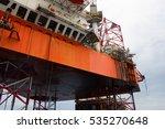 offshore oil rig drilling... | Shutterstock . vector #535270648