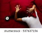 woman can't fall asleep because ... | Shutterstock . vector #537637156