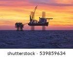 silhouette of offshore oil... | Shutterstock . vector #539859634